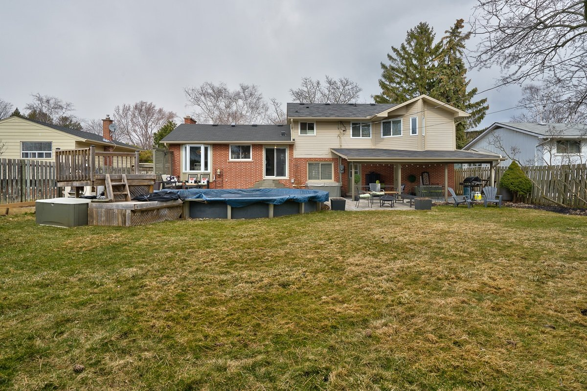 182-white-pines-drive-burlington-on-l7l-4e4-backyard-3-buller-real-estate-group_00008