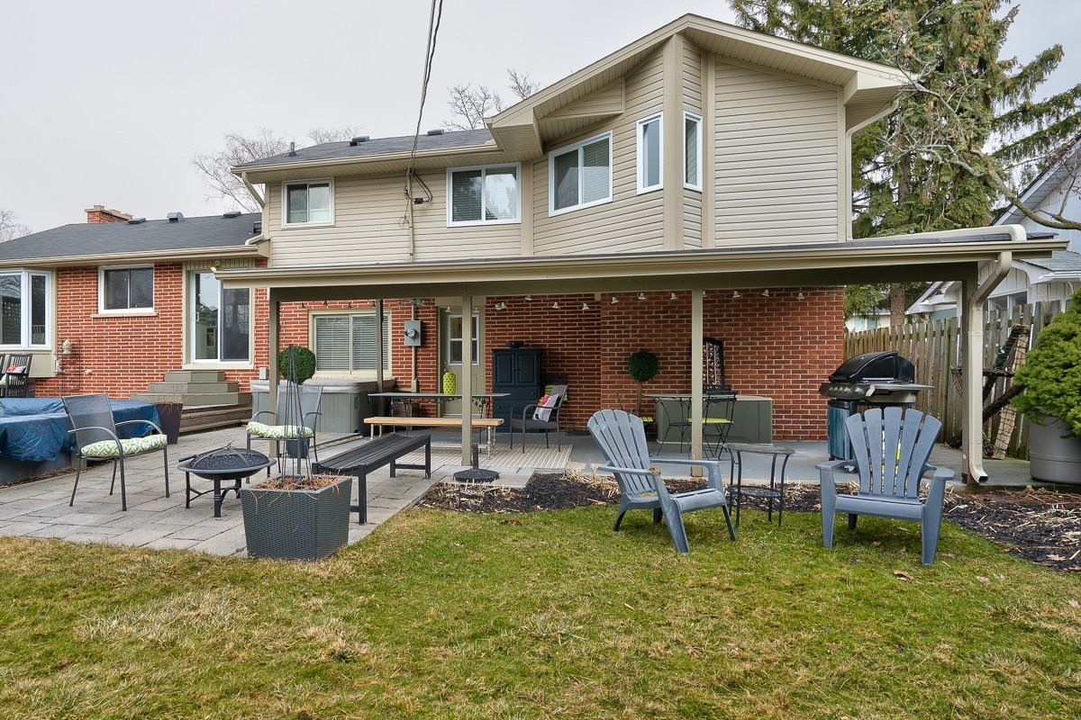 182-white-pines-drive-burlington-on-l7l-4e4-backyard-4-buller-real-estate-group_00009