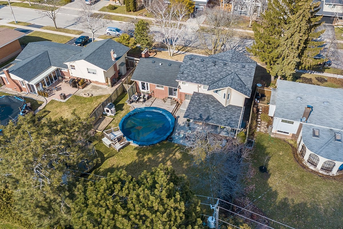 182-white-pines-drive-burlington-on-l7l-4e4-backyard-aerial-2-buller-real-estate-group_00033