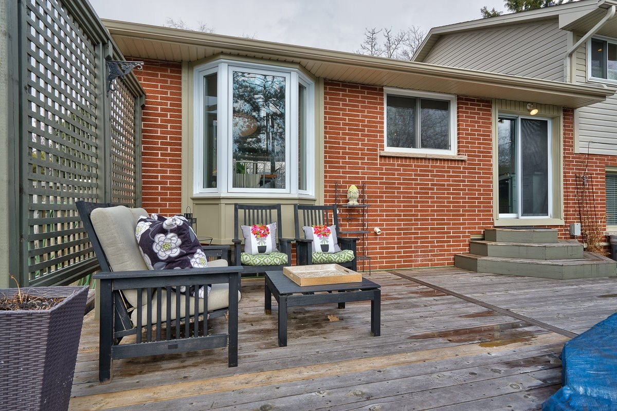 182-white-pines-drive-burlington-on-l7l-4e4-backyard-deck-2-buller-real-estate-group_00011