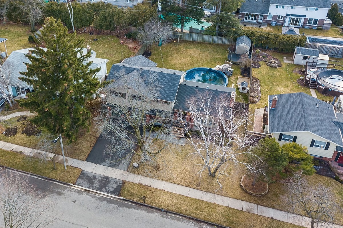 182-white-pines-drive-burlington-on-l7l-4e4-frontyard-aerial-2-buller-real-estate-group_00037