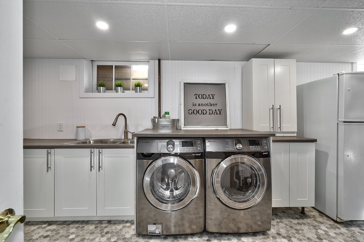 182-white-pines-drive-burlington-on-l7l-4e4-laundry-room-buller-real-estate-group_00029