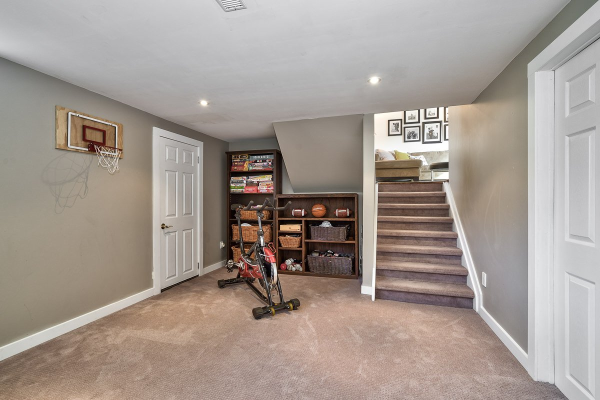 182-white-pines-drive-burlington-on-l7l-4e4-rec-room-2-buller-real-estate-group_00031