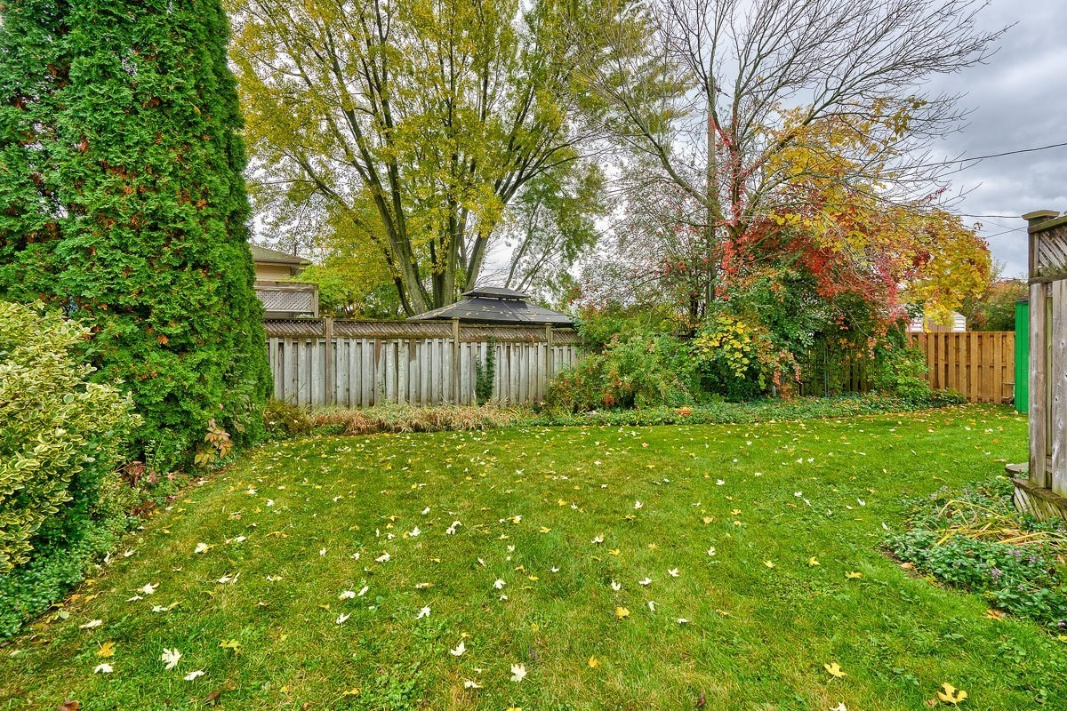 3416-rexway-drive-burlington-ontario-l7n-2l3_backyard