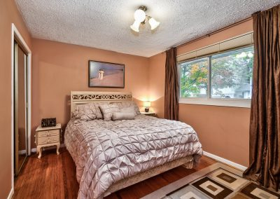 3416 Rexway Drive Burlington Ontario L7n 2l3 Master Bedroom